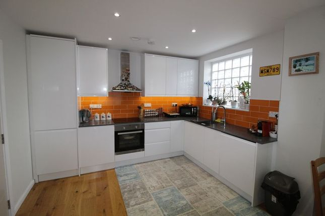 Thumbnail Flat to rent in The Marlowes Centre, Marlowes, Hemel Hempstead