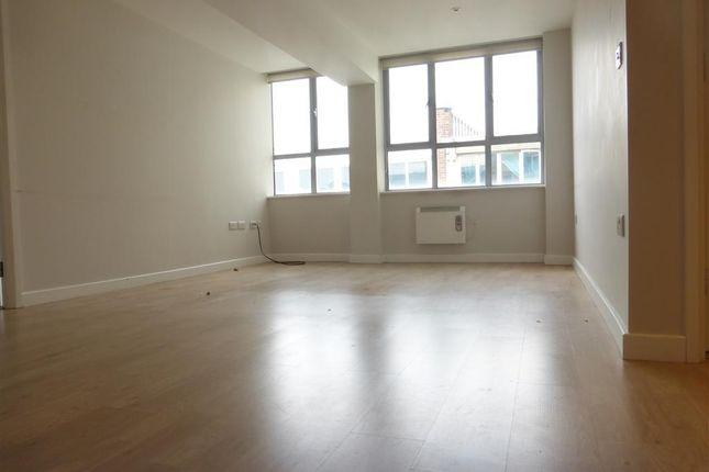 2 bedroom flat to rent in Princes Street, Ipswich