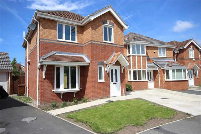 Thumbnail Property to rent in Goodwood Drive, Stockport, Cheshire