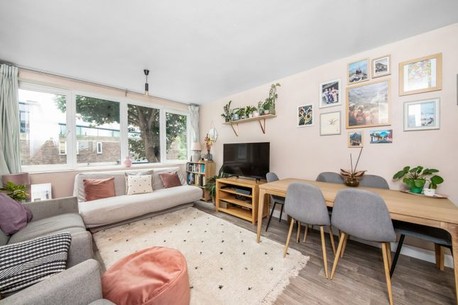 1 bed flat for sale in Upnor Way, Walworth, London SE17