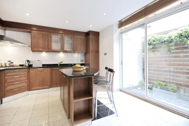 Thumbnail Town house to rent in Portman Close, Baker Street
