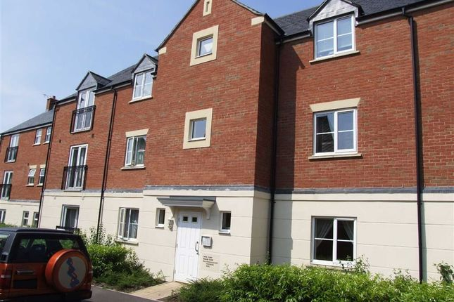 2 bed flat to rent in Blease Close, Staverton, Trowbridge, Wiltshire BA14