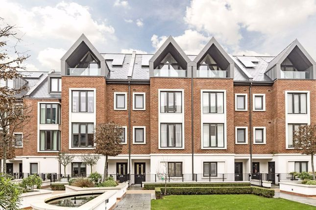 Thumbnail Terraced house to rent in Noel Square, Teddington