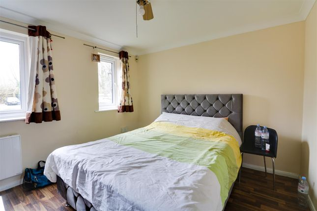 Bedroom of Porter Close, Grays RM20