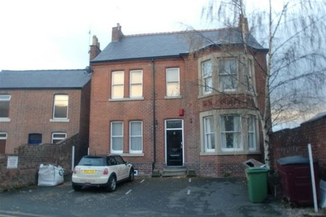 Thumbnail Flat to rent in Chapel Street, Wrexham
