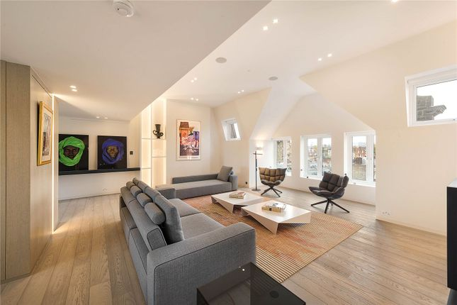 Thumbnail Flat for sale in Cheyne Place, London