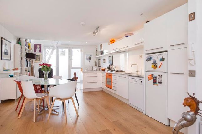 Thumbnail Flat for sale in Wendell Road, London