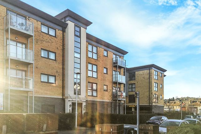 Thumbnail Flat to rent in Regent House, Station Road, Rochester, Kent