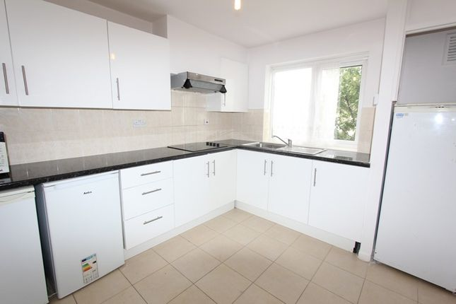 Thumbnail Maisonette to rent in Coney Hall Parade, Kingsway, West Wickham