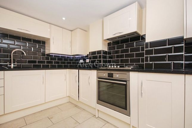 Thumbnail Flat to rent in Errington Road, London