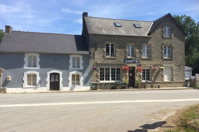 Thumbnail Restaurant/cafe for sale in 56490 Mohon, Morbihan, Brittany, France