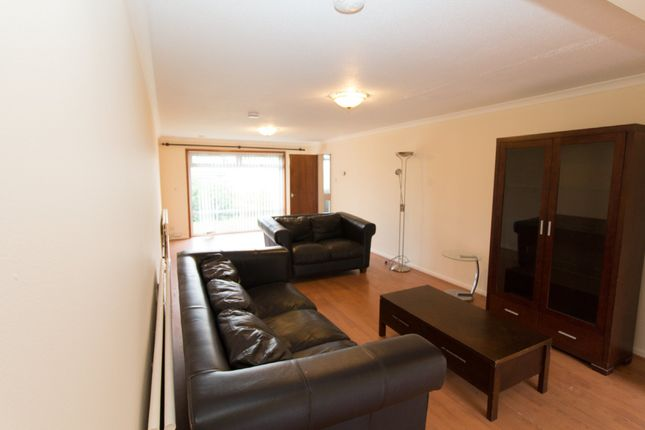 Thumbnail Detached house to rent in Cairnlee Avenue East, Cults, Aberdeen