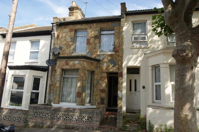 Thumbnail Shared accommodation to rent in Hartington Place, Southend-On-Sea