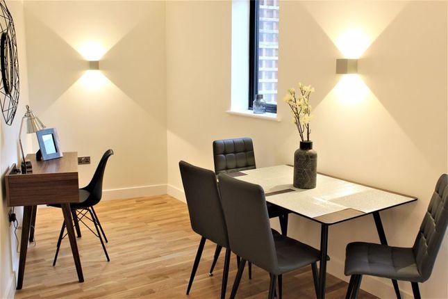 Dining & Study Area