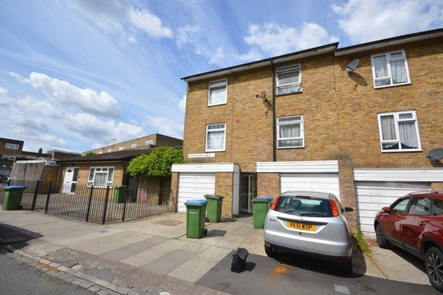 Thumbnail Town house for sale in Nightingale Vale, London