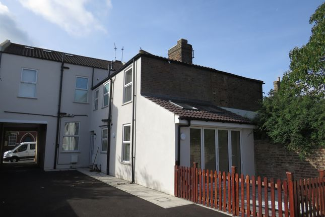 Thumbnail Property for sale in New Road, Leighton Buzzard