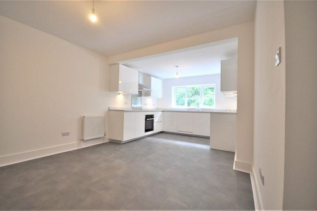 Thumbnail Flat to rent in Valley Rise, Watford