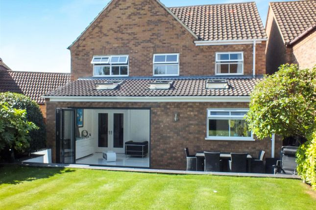 Thumbnail Detached house for sale in Curlew Crescent, Royston