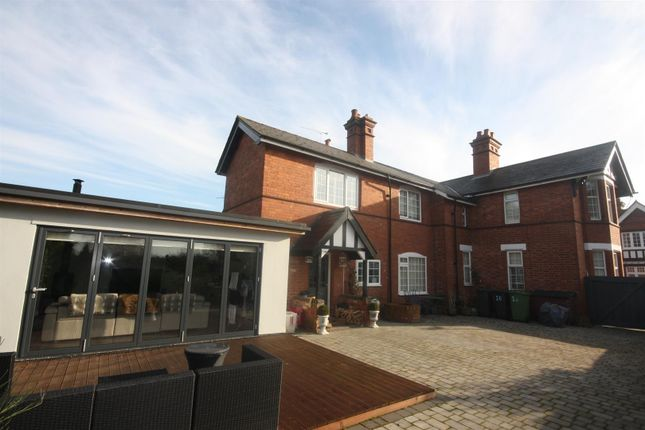 Thumbnail Detached house for sale in Barrow Road, Kenilworth