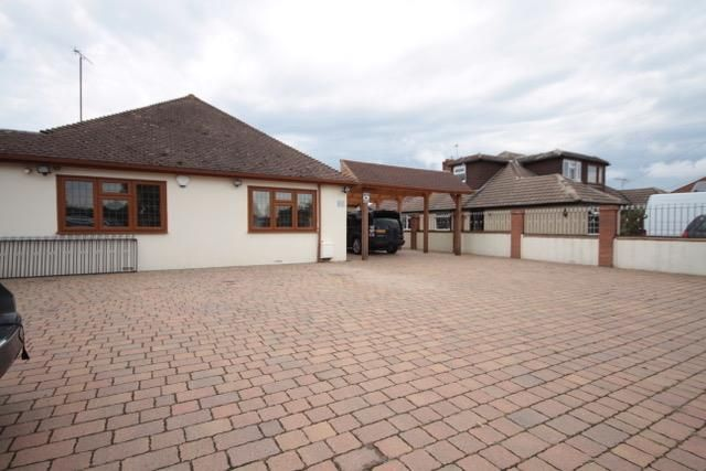 Thumbnail Detached bungalow to rent in Hever Avenue, West Kingsdown, Sevenoaks