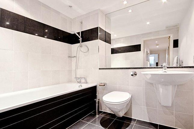 Bathroom 2 of 9 Albert Embankment, Vauxhall, London SE1