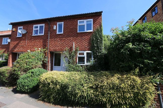 2 bed terraced house for sale in Brunel Close, Crystal Palace, London