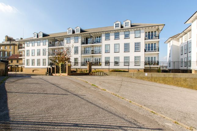 Thumbnail Flat for sale in Commercial Place, Gravesend