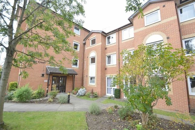 Thumbnail Flat for sale in Brighton Road, Coulsdon