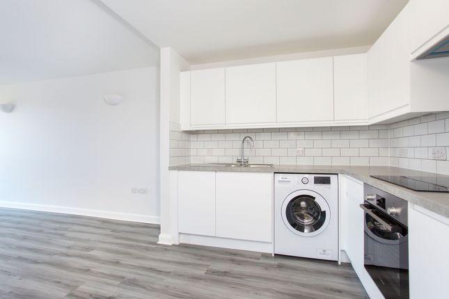 Thumbnail Flat to rent in The Origin Apartments, Bracknell