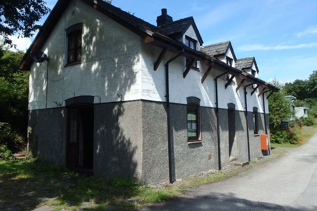 Thumbnail Flat to rent in Garth Road, Machynlleth
