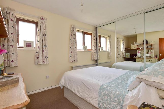 Bedroom 1 of Southcliffe, Lewes, East Sussex BN7
