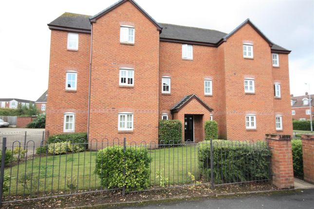 Thumbnail Flat to rent in Burwaye Close, Lichfield