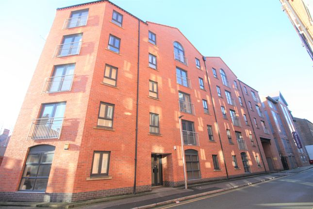 2 bed flat to rent in Russell Street, Chester CH3