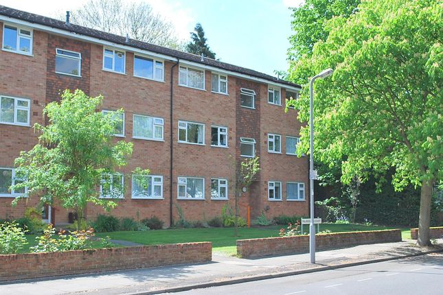 1 bed flat to rent in Lovelace Gardens, Surbiton KT6