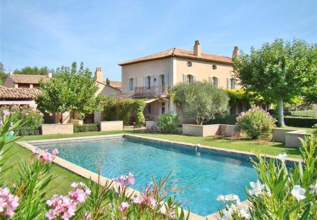 Thumbnail Country house for sale in Eygalieres, Provence, South Of France, 13810