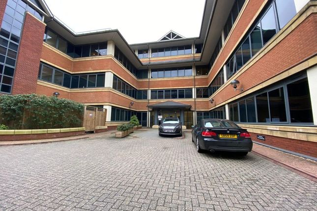 Thumbnail Flat to rent in Homestead Road, Rickmansworth