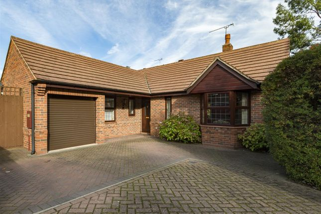 Thumbnail Detached bungalow for sale in Glasshouse Lane, Kenilworth