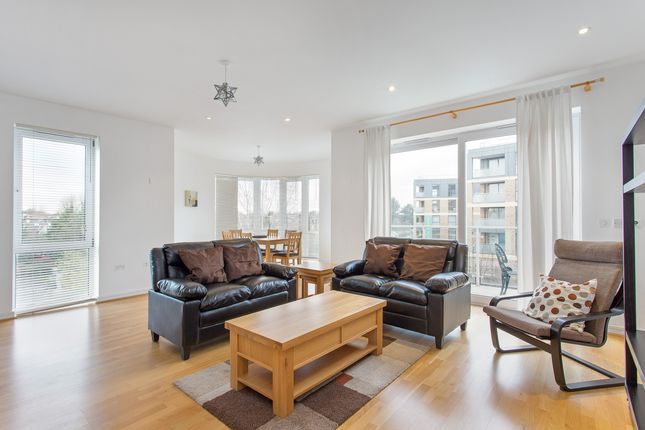 Thumbnail Flat to rent in Aura House, Melliss Avenue, Kew