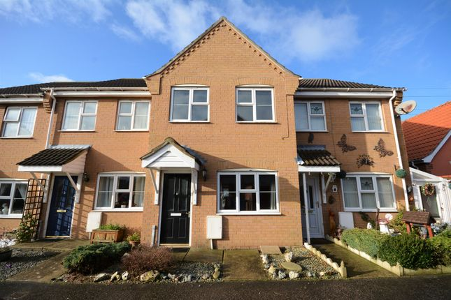 2 bed terraced house to rent in South Leet Close, Oulton Broad, Suffolk