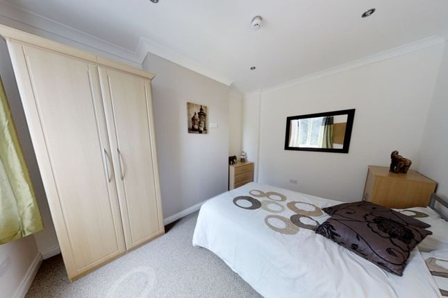 Thumbnail Shared accommodation to rent in Boundary Road, Chatham