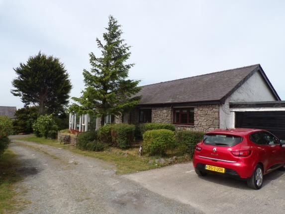 Thumbnail Bungalow for sale in Penisarwaun, Caernarfon, Gwynedd