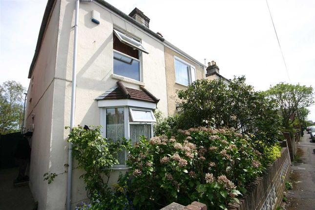 Thumbnail Semi-detached house to rent in Stanley Road, Southampton