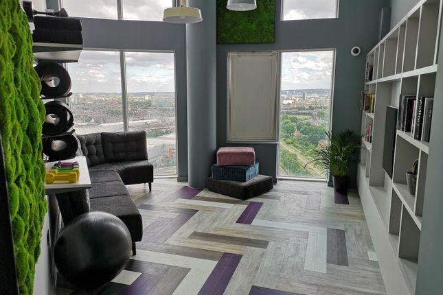 TV+Room of High Street, London E15
