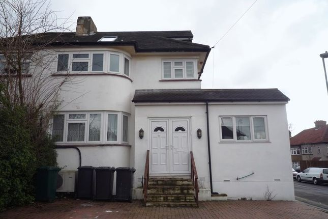 Thumbnail Flat to rent in Cloister Gardens, Edgware