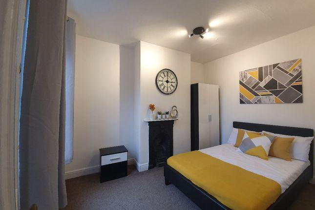 Room 2, Oxford Street, Far Cotton, Northampton NN4