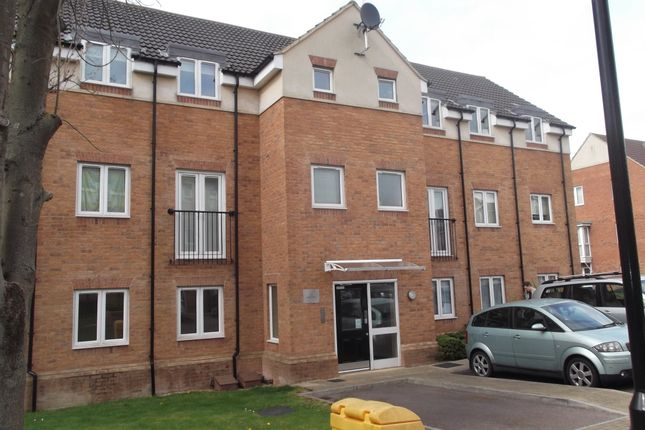 Thumbnail Flat to rent in Chaucer Grove, Borehamwood