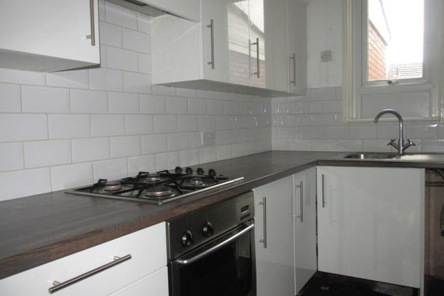 3 bed terraced house to rent in 30 Duncan Street, Brinsworth, Rotherham