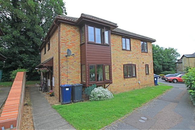 Thumbnail Terraced house for sale in Linclare Place, Eaton Socon