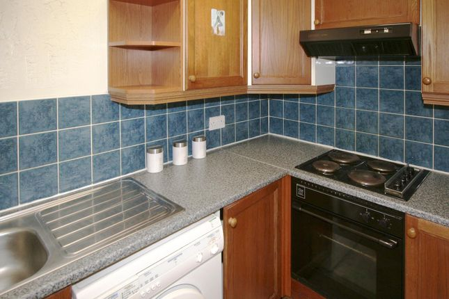 Kitchen of Flat 4, 248 Vinery Road, Burley LS4