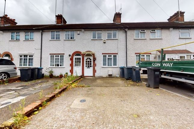 Thumbnail Terraced house to rent in Woburn Avenue, Purley